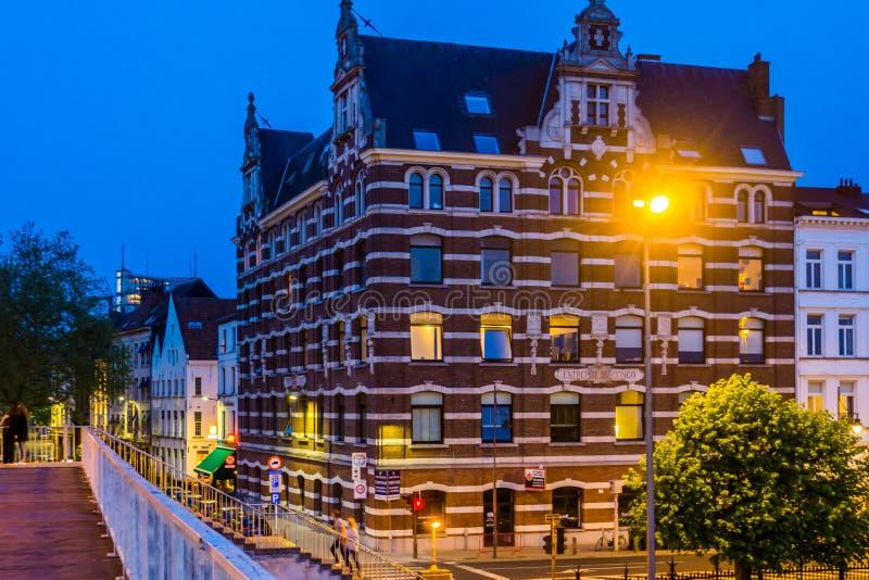 Byggnad för stapelplatsdu Kongo i gatorna av den antwerp staden, klassisk flemish arkitektur, Antwerpen, Belgien, April 23, 2019 arkivbilder