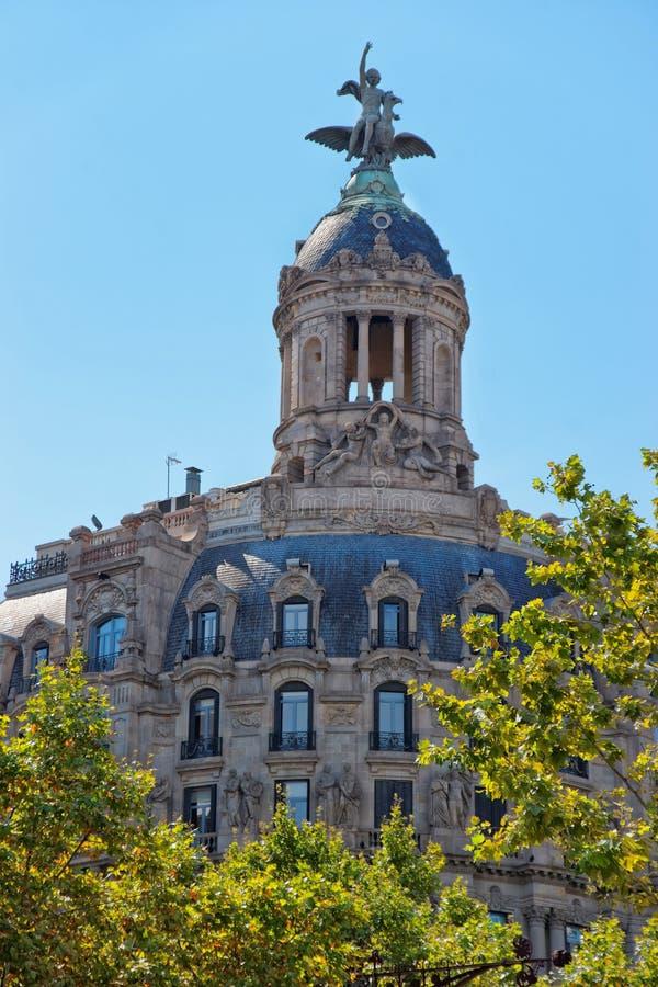Byggnad för union y el Fenix Espanol i Passeig de Gracia royaltyfri bild
