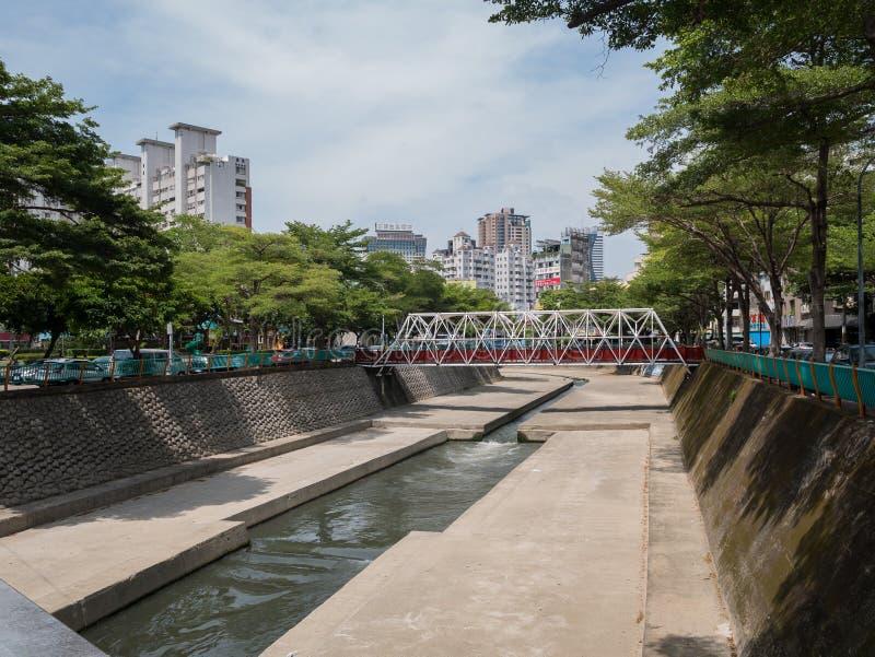 Byggnad flod av den Taichung staden arkivfoto