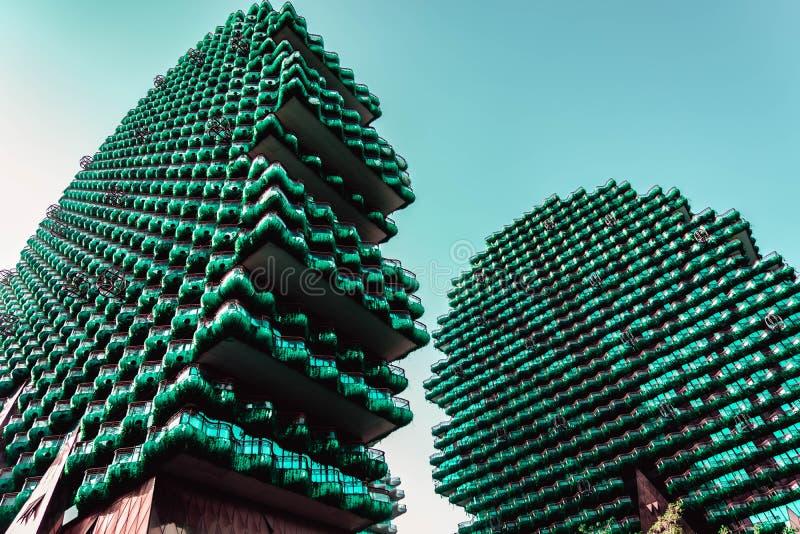 Byggnad gjorde i en form av träd arkivfoton