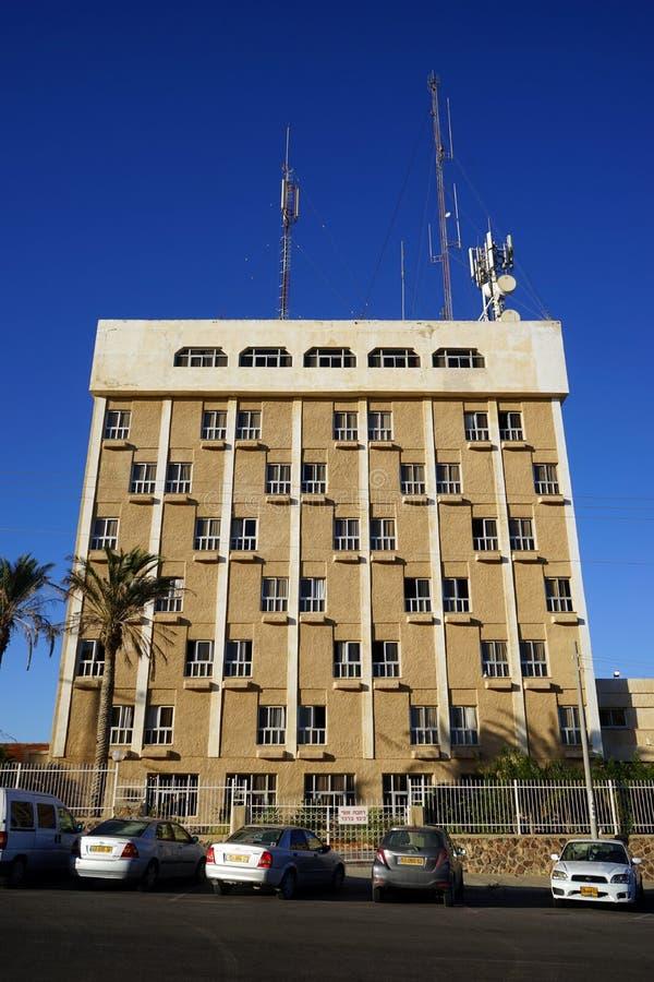 Byggnad med antenner royaltyfria bilder