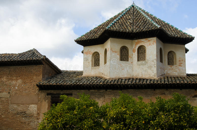 Byggnad på Alhambra i Spanien royaltyfri bild