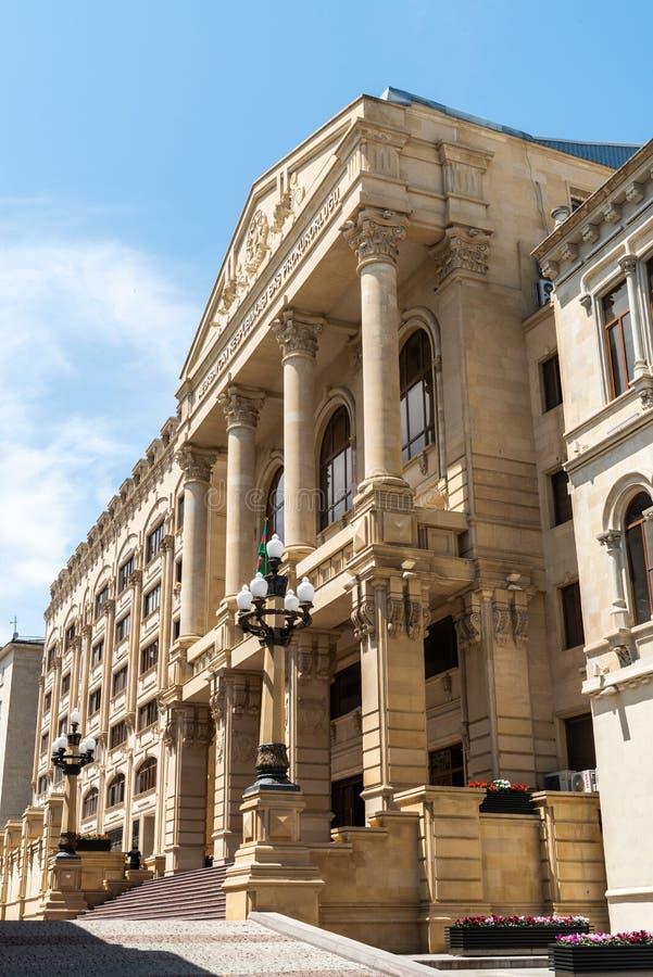 Byggnad som inhyser den allmänna Åklagaren Administration av Republiken Azerbajdzjan i Baku royaltyfri bild