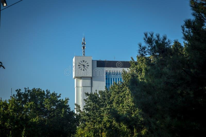Byggnaden av publicera och printingföretaget Sharq, Tasjkent royaltyfri foto