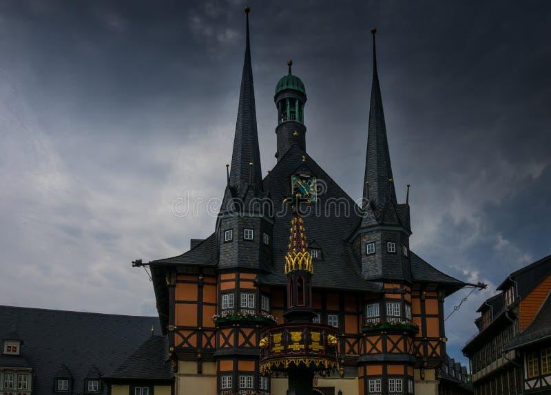 Byggnaden av stadshuset av Wernigerode, Tyskland royaltyfri bild