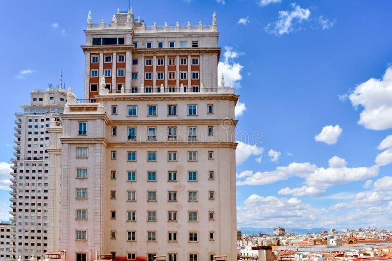 Byggnader av i stadens centrum Madrid, Spanien royaltyfri bild