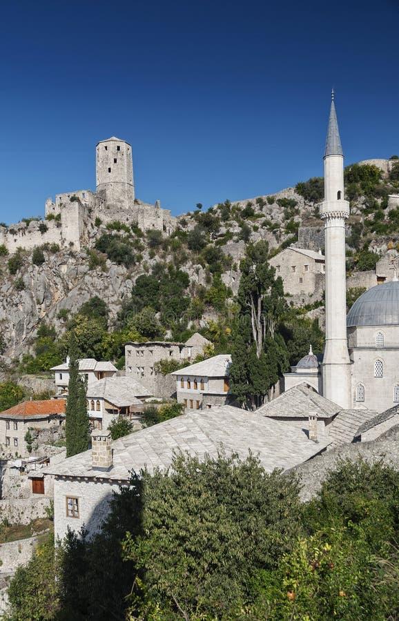 Byggnader för arkitektur för Pocitelj by traditionella gamla i Bosni arkivfoto