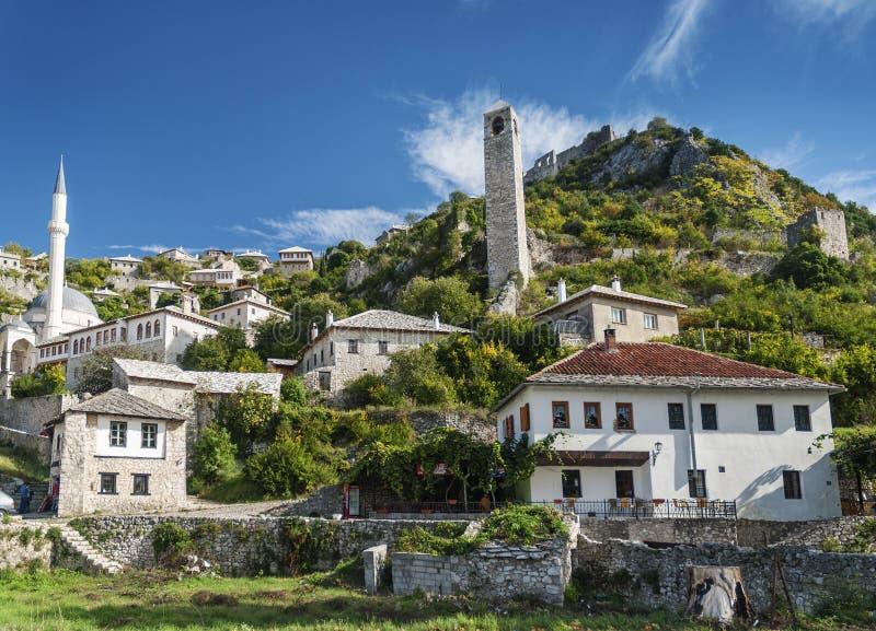 Byggnader för arkitektur för Pocitelj by traditionella gamla i Bosni arkivfoton