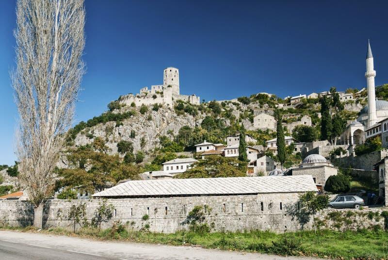 Byggnader för arkitektur för Pocitelj by traditionella gamla i Bosni arkivbild