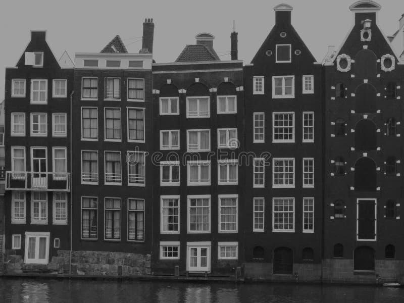 Byggnader för gammal stil i Amsterdam royaltyfri foto