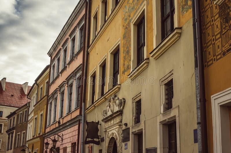 Byggnader i den gamla mitten av Lublin, Polen royaltyfri fotografi