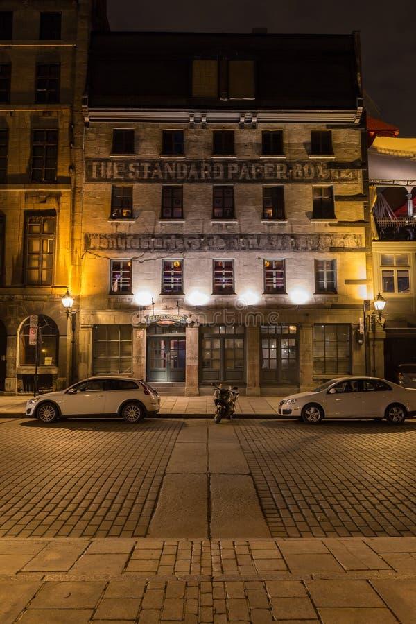 Byggnader i gamla Montreal arkivfoto