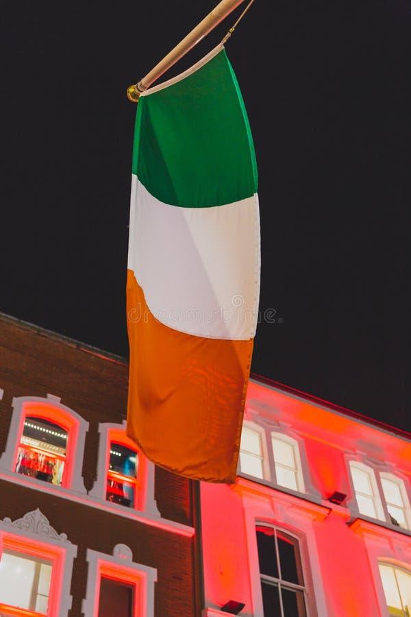 Byggnader i Grafton Street i Dublin stadsmitt med färgrikt royaltyfri bild