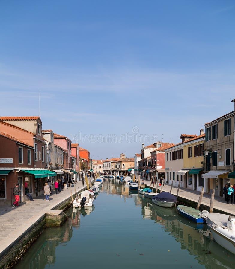 Byggnader i Murano under dagen arkivfoto