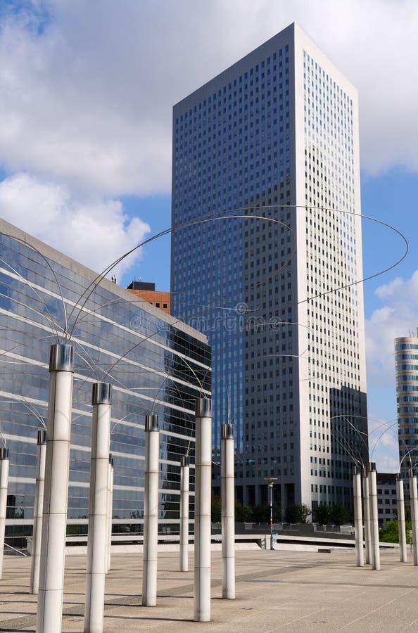 byggnader moderna paris royaltyfri fotografi