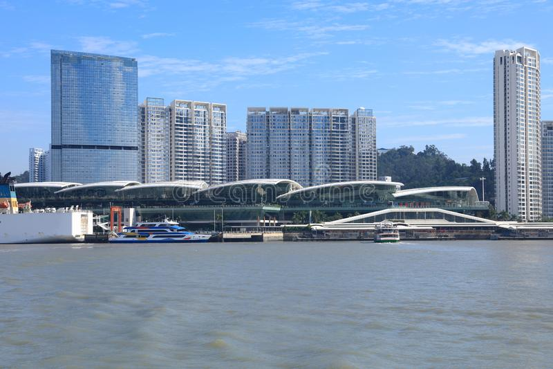 Byggnader på den xiamen hamnplatsen i den Xiamen staden, Kina arkivbild