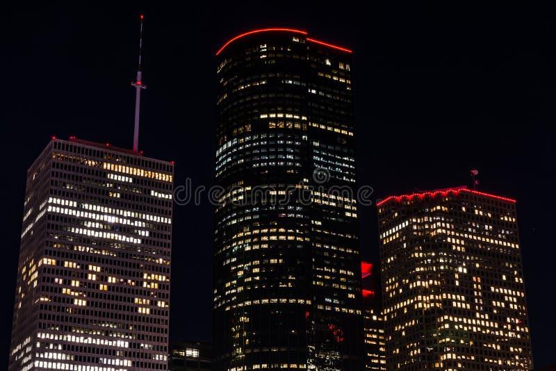 Byggnader på natten royaltyfri bild