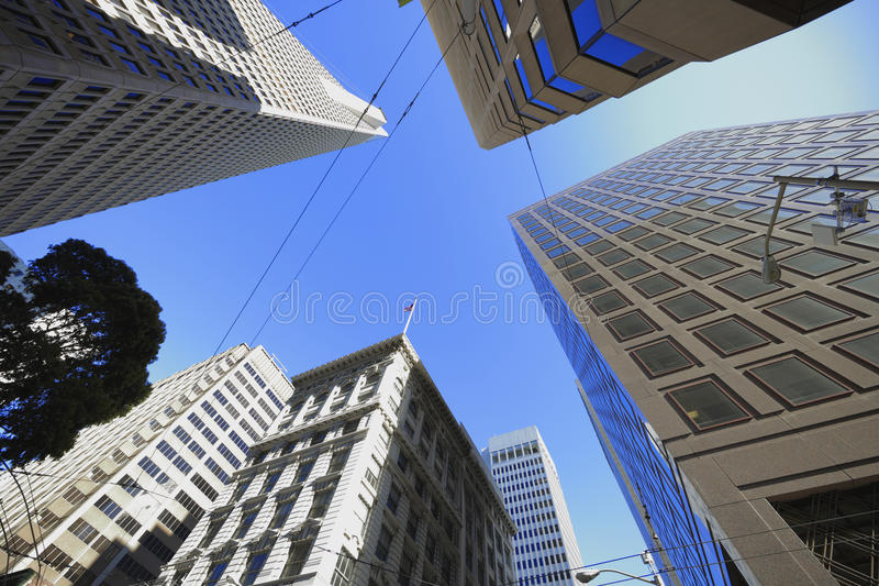 byggnader som ser upp royaltyfri bild