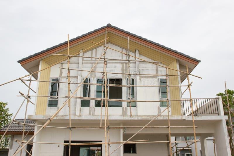 Byggnads- och konstruktionsplats av det nya hemmet arkivfoton