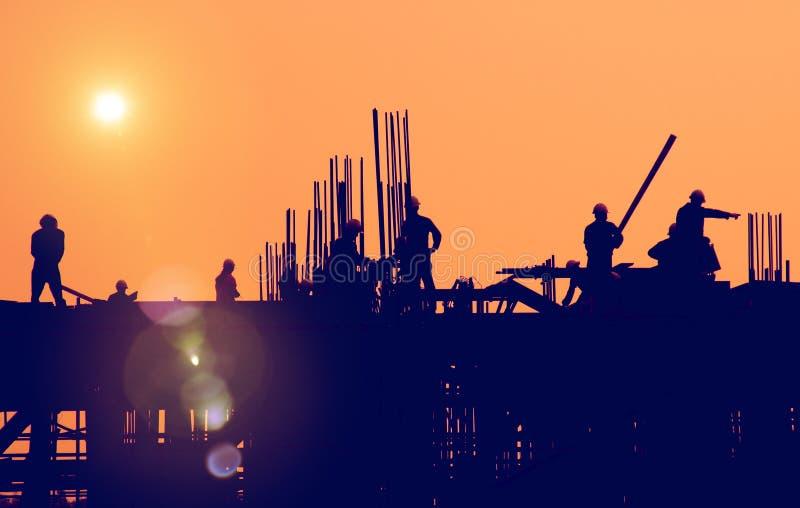 ByggnadsarbetareEngineering Built Building begrepp royaltyfria bilder