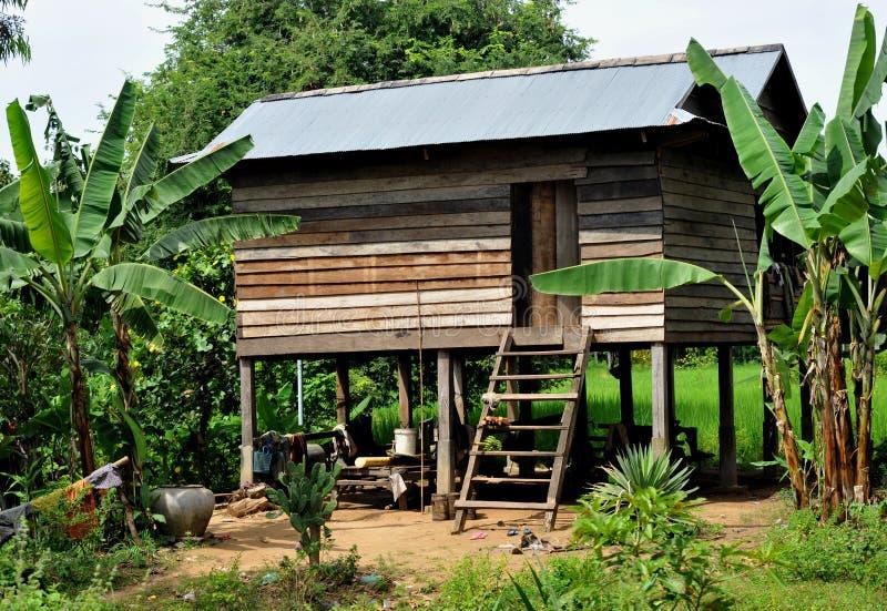 Byhus i cambodia arkivbilder