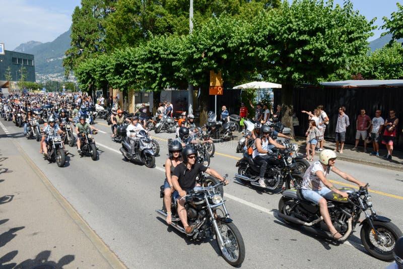 Download Bykers Du Défilé à Harley Days Suisse à Lugano Sur Switz Photo stock éditorial - Image du action, rétro: 56477193