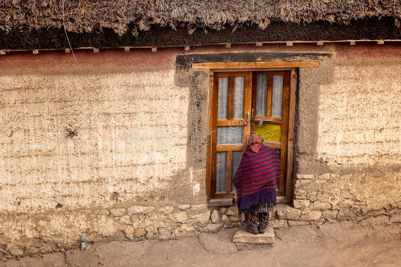 Byliv, Spiti, tibetant som är himachal royaltyfri foto