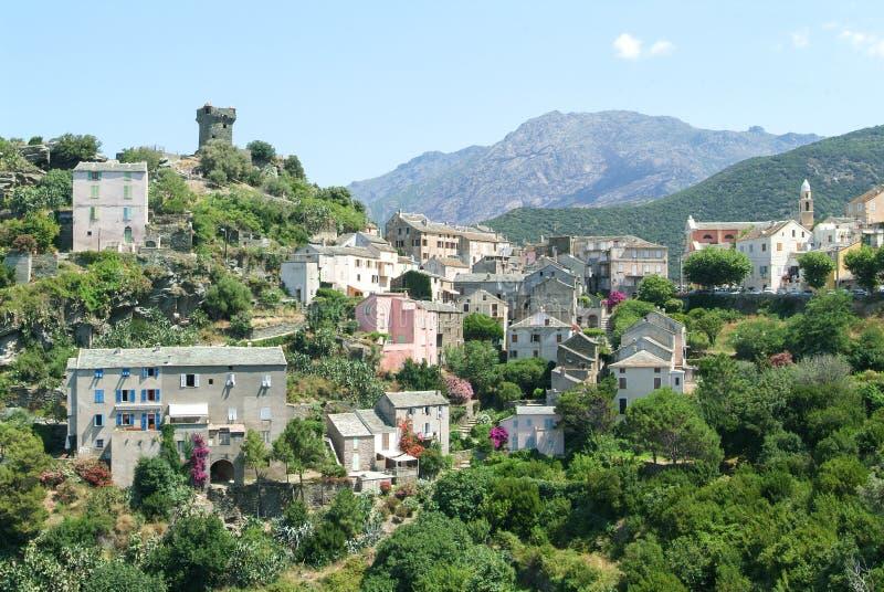 Byn av Nonza på den Korsika ön royaltyfria bilder