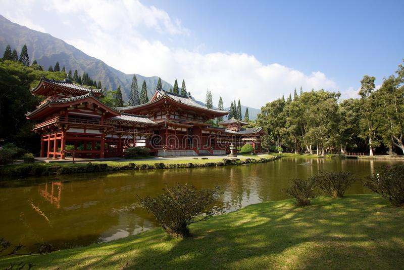 Download Byodo-In Temple Hawaii stock image. Image of landmark - 15767325