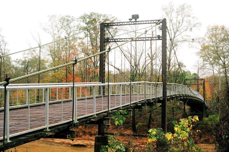 Byram som svänger bron royaltyfria bilder