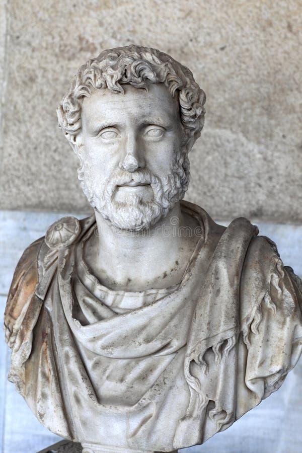 Byst av den romerska kejsaren Antoninus Pius royaltyfri bild