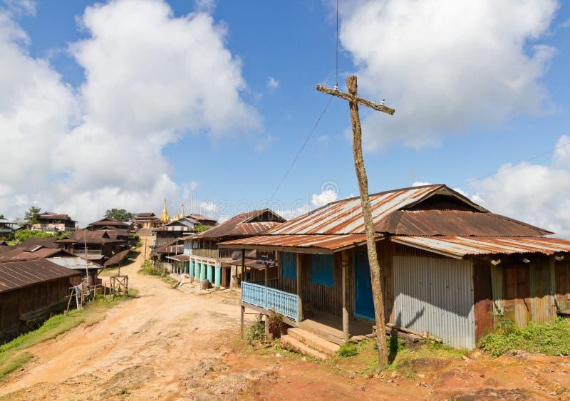 Byväg i Burma arkivbild