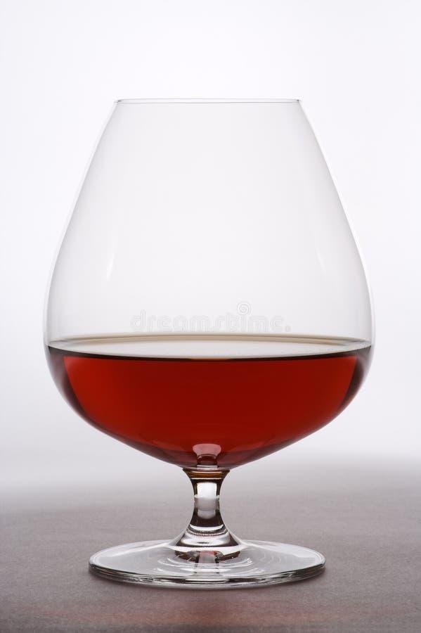Cálice com bebida forte fotografia de stock royalty free