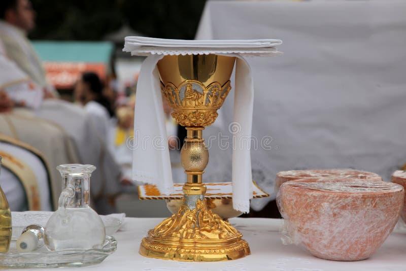 Cálice dourado foto de stock