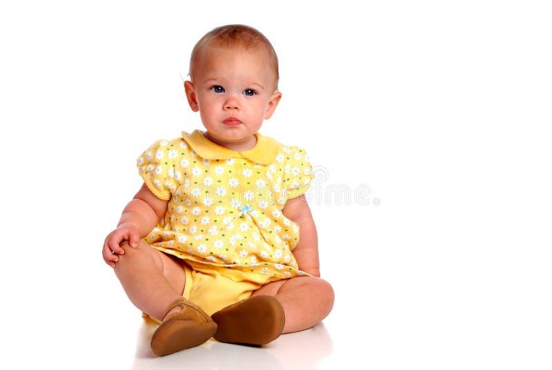 Cámara de la cara del bebé que se sienta fotos de archivo libres de regalías