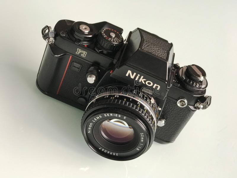Cámara de la película del F3 35m m SLR de Nikon fotografía de archivo