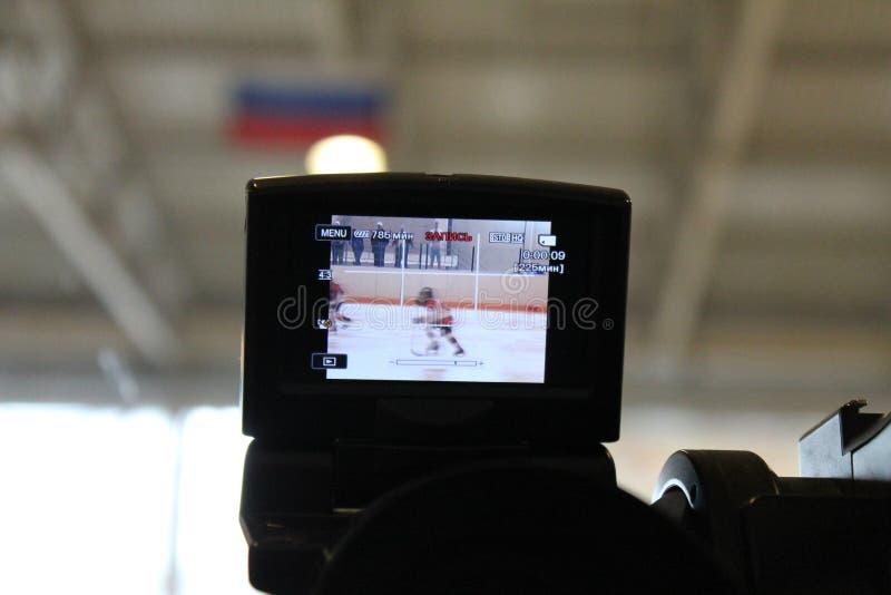 Cámara del lanzamiento el juego de hockey fotos de archivo libres de regalías