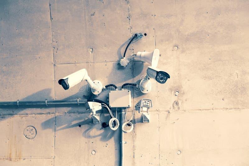 Cámaras CCTV con los sensores de movimiento fotografía de archivo