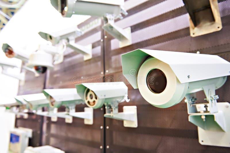 C?maras CCTV con proteger imagen de archivo libre de regalías