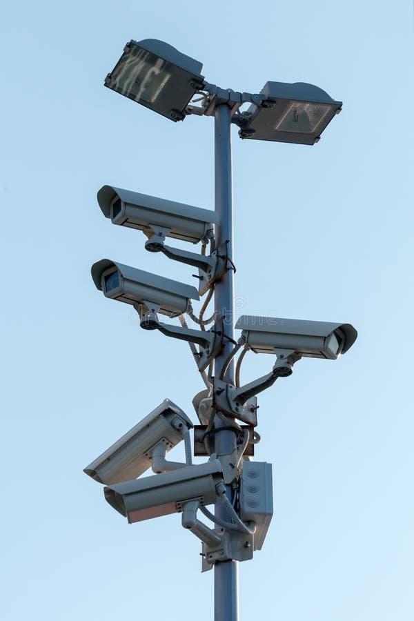 Cámaras CCTV de la seguridad en el pilón imagen de archivo libre de regalías