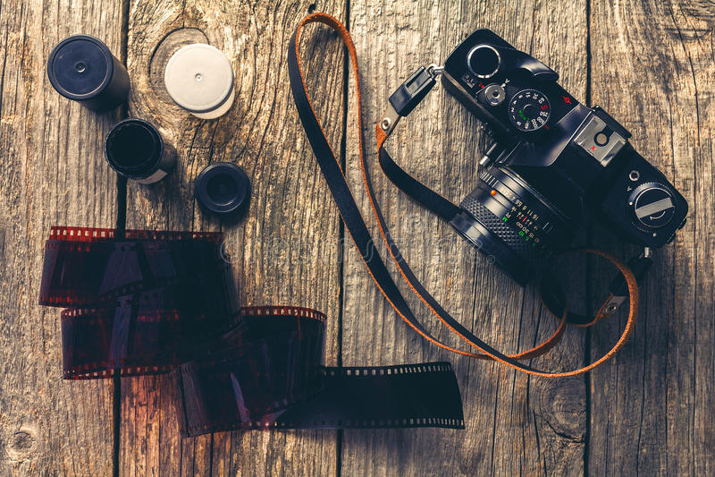Cámaras y fotos retras imagen de archivo libre de regalías