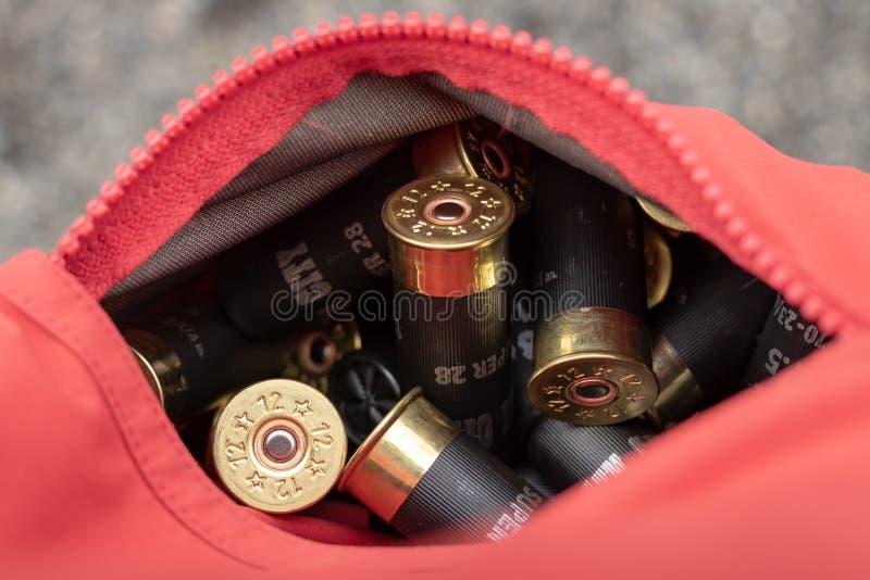 Cáscaras de escopeta en el bolsillo para Skeet Tournament fotos de archivo libres de regalías