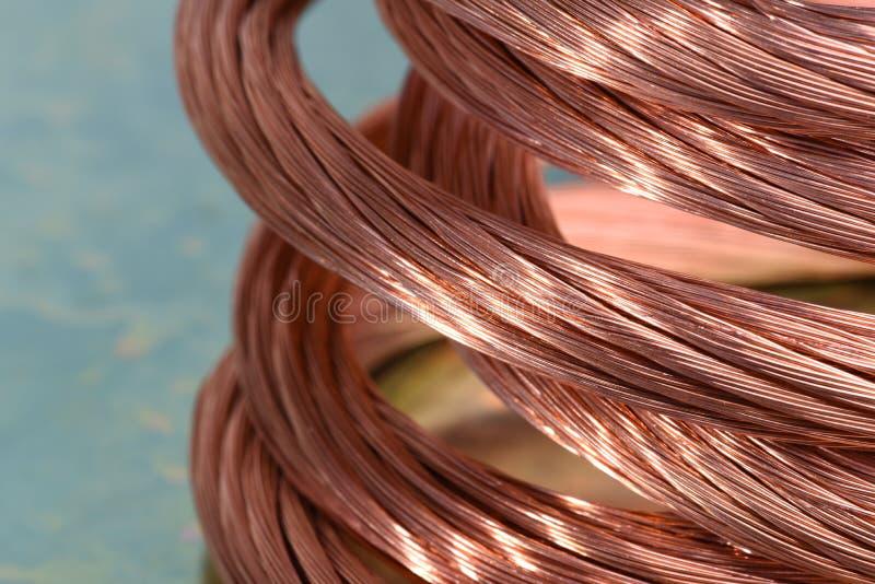 Câblage cuivre, concept de l'industrie des matières premières  image libre de droits
