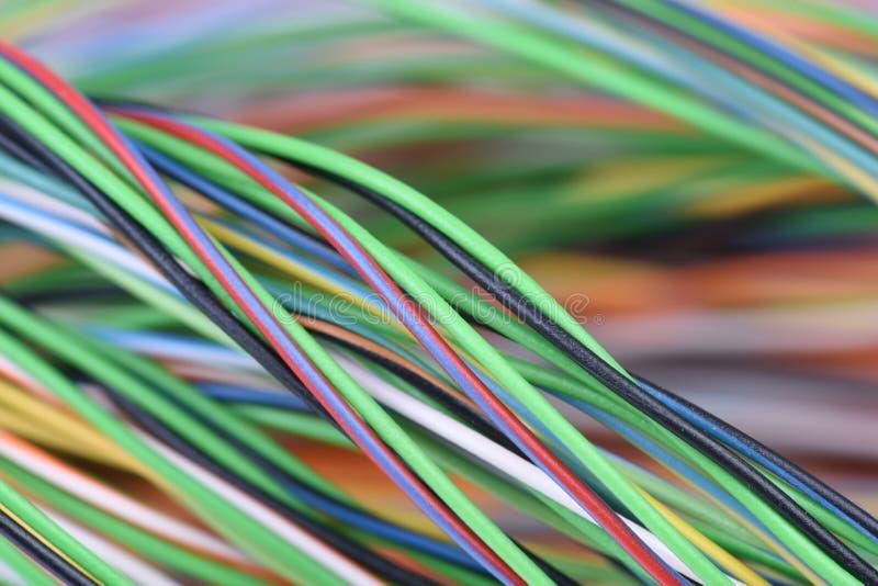 Câble dans les systèmes électriques de câblage photos stock