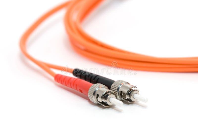 Câble de fibre avec des connecteurs images stock