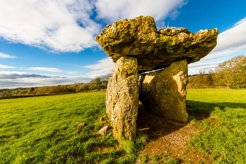 Câmara de enterro do St Lythans, Gales do Sul imagem de stock royalty free