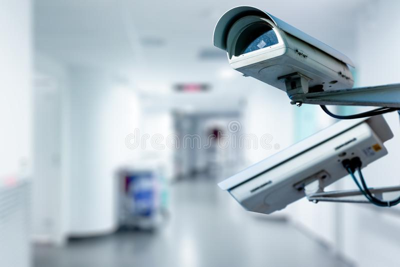 Câmara de segurança do CCTV que opera-se no hospital fotografia de stock royalty free