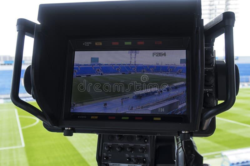 Câmara de televisão no futebol foto de stock