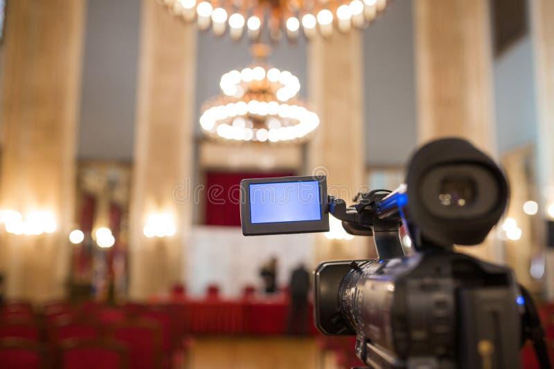 Câmara de vídeo isolada imagem de stock royalty free