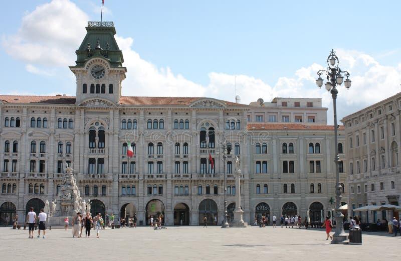 A câmara municipal, construção histórica em Unita d Italia do dell da praça fotos de stock royalty free